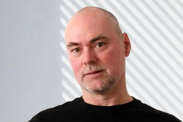 Dr. Alexander Meschnig